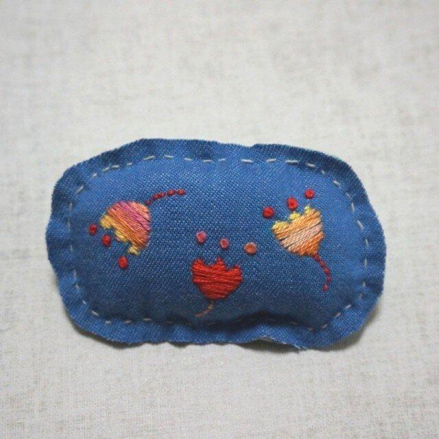 手刺繍ブローチ「はな」の画像1枚目