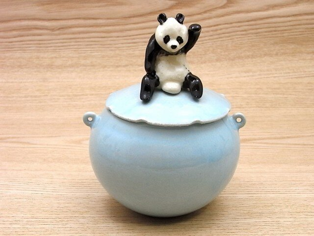 水青招福大熊猫耳付飴小壺ーAの画像1枚目