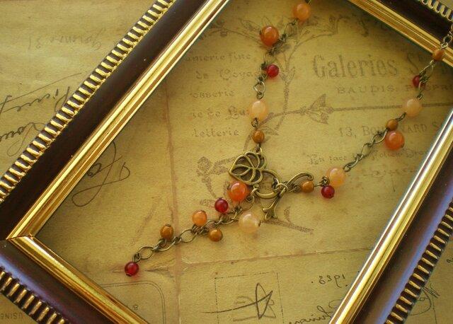 天然石カーネリアンの木の実のネックレスの画像1枚目