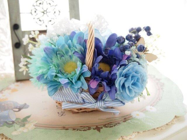SOLD OUT*シンデレラカラー・ロマンティックブルーの花かごの画像1枚目