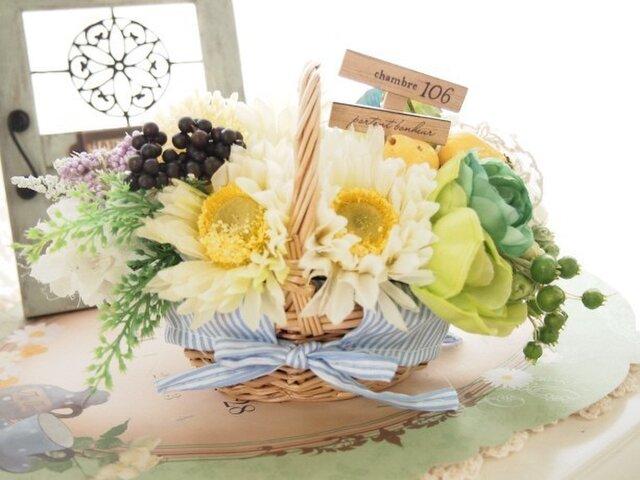 SOLD OUT*ナチュラルが可愛いフルーツとお花の花かごの画像1枚目