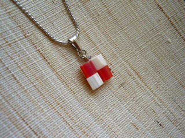 市松ペンダント red+whiteの画像1枚目