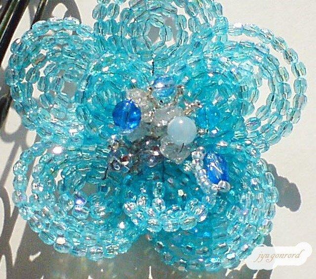 お花のコサージュ・ブローチ(オーロラ・ブルー)の画像1枚目