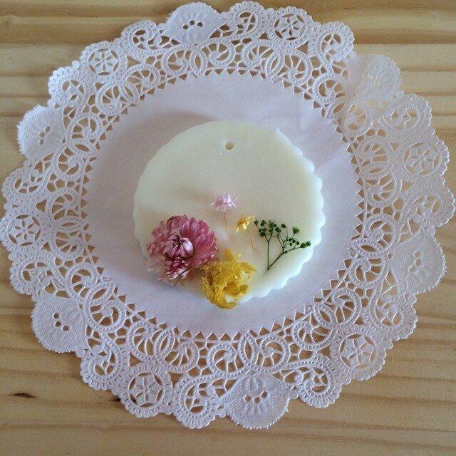 【メッセージ入れ可能】プルメリアの香り アロマワックスサシェの画像1枚目