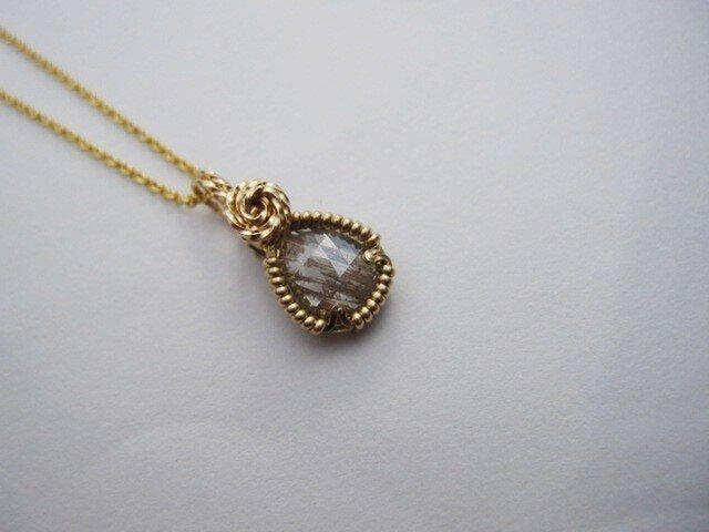 ローズカット・グレーの縞々ダイヤモンド・涙型ペンダントの画像1枚目