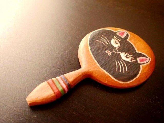 木彫りの手鏡 くろねこちゃん (小)の画像1枚目