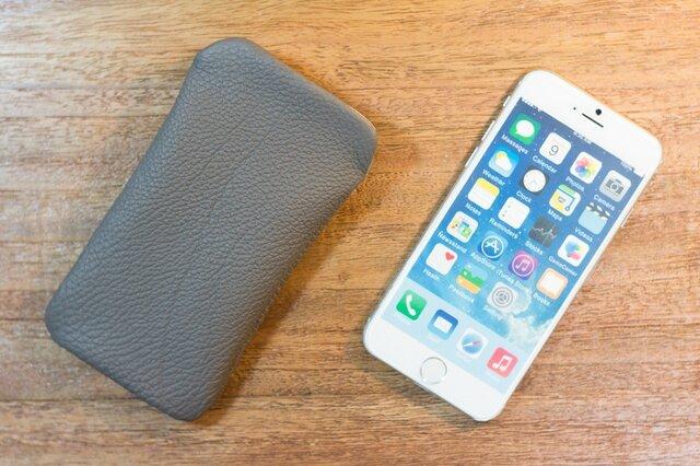 iPhone6レザーケース トリヨンクレマンス・エタンの画像1枚目