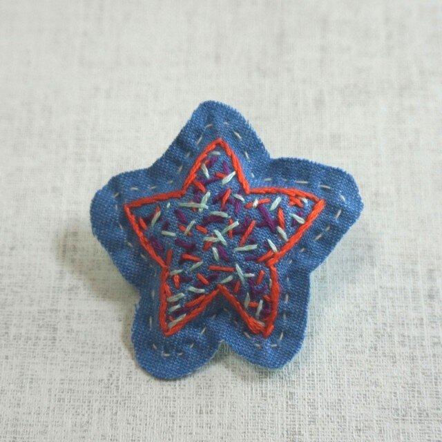 手刺繍ブローチ「ほし」の画像1枚目