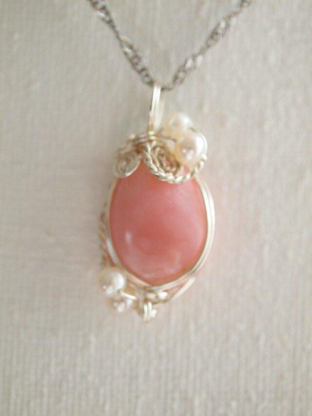 ピンクコモンオパールの ワイヤーデザイン ネックレスの画像1枚目