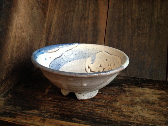 割高台の藁灰釉茶碗の画像1枚目