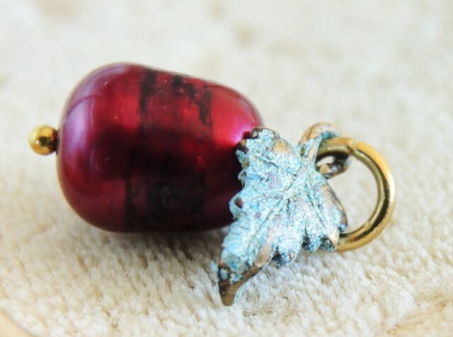 赤真珠/ボルドーの実 ペンダントトップの画像1枚目