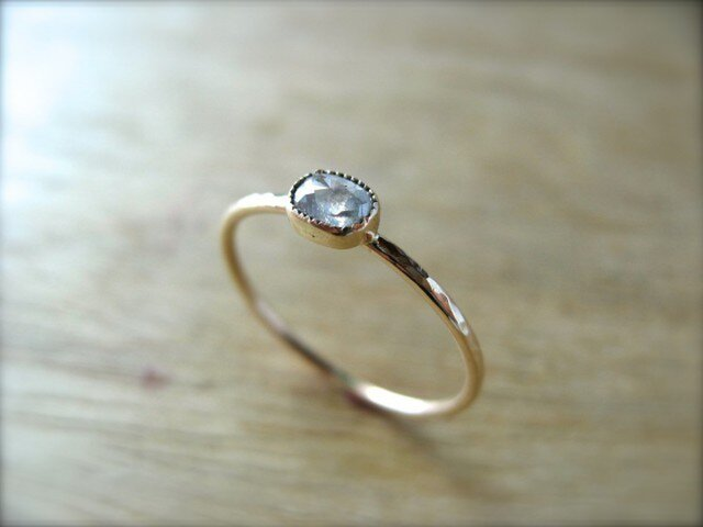 Baby Oval Diamond Ringの画像1枚目