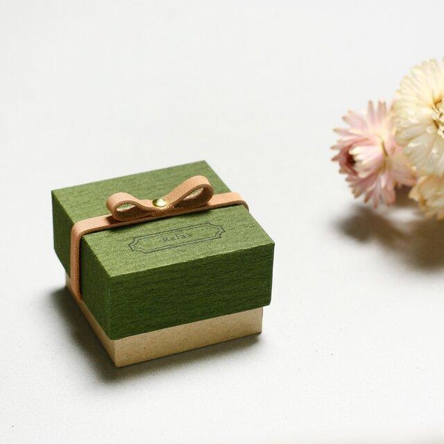 Relax モースグリーン) 気持ちを伝える 本革付 小さな ギフトボックスの画像1枚目
