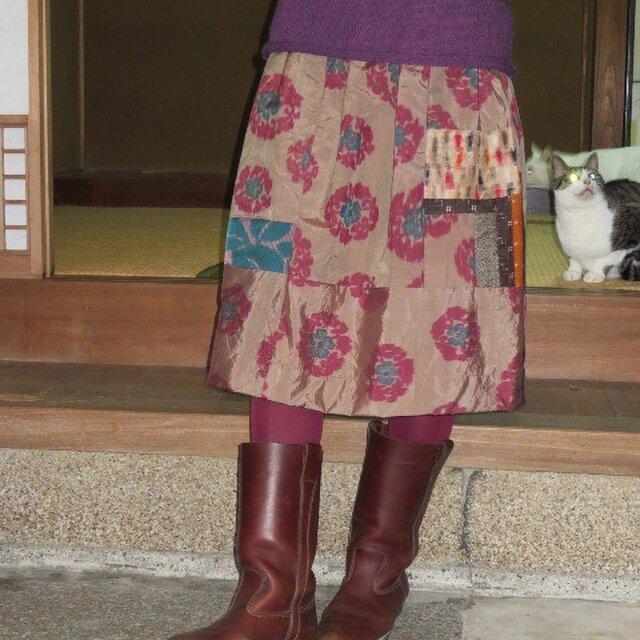 銘仙リメイク☆渋い花柄に色々パッチスカート♪ブーツに合う67㎝丈の画像1枚目