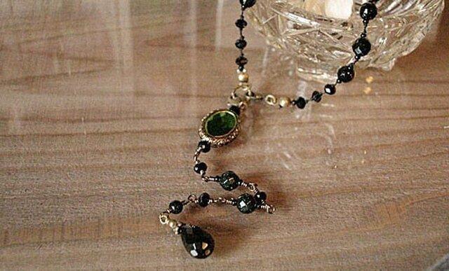 シルクコードのネックレス(オニキス・グリーンゴールドストーン)の画像1枚目