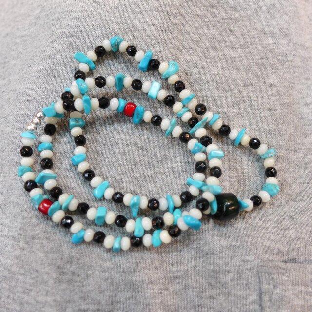 ターコイズ*白サンゴ2*オニキス5 ネックレス兼3連ブレスの画像1枚目