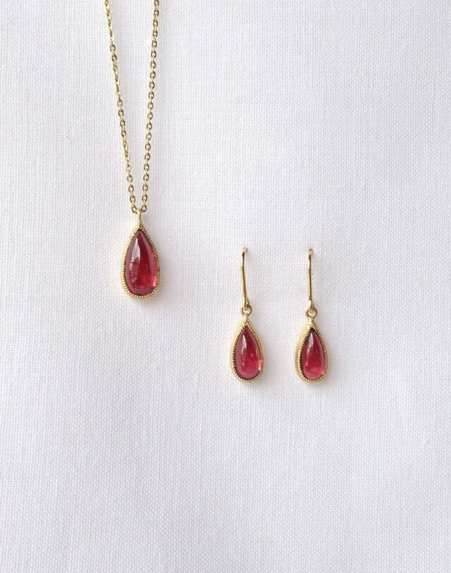 Garnet Pendant&pierced earringの画像1枚目