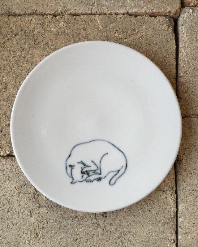 染付4寸猫皿 29の画像1枚目
