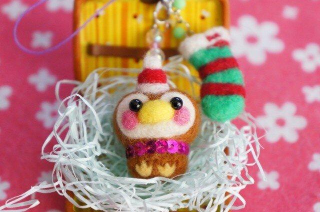 羊毛フェルト クリスマスサンタすずめちゃん靴下2連ストラップ☆の画像1枚目