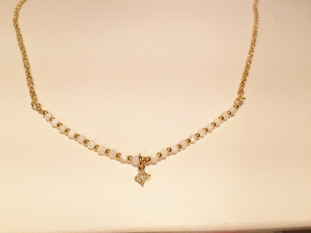 可愛いマザーオブパールのネックレスの画像1枚目