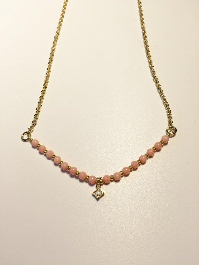 可愛いサンゴのネックレスの画像1枚目