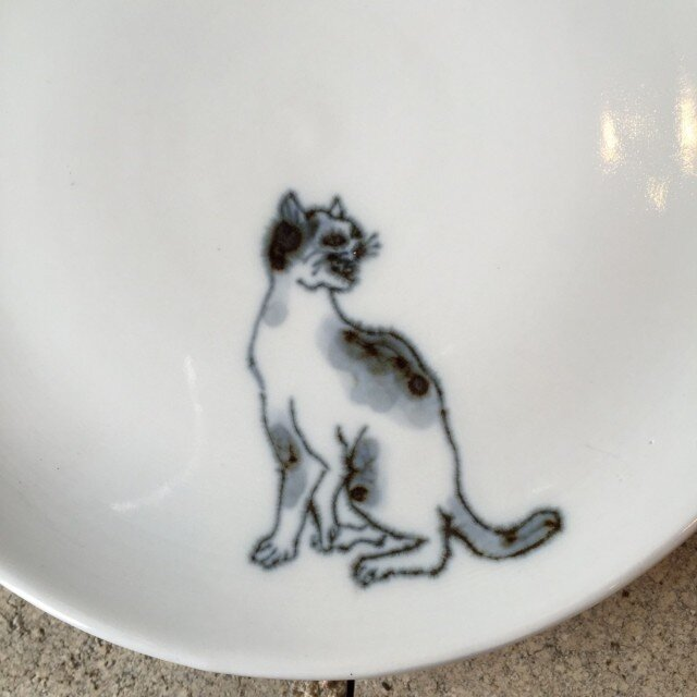 染付5寸猫皿 38の画像1枚目
