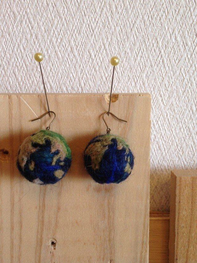 地球ピアスの画像1枚目