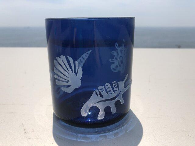 海の中の貝殻グラスの画像1枚目