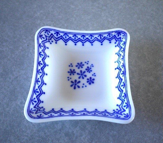 変わり四角鉢 ブルーレースの画像1枚目