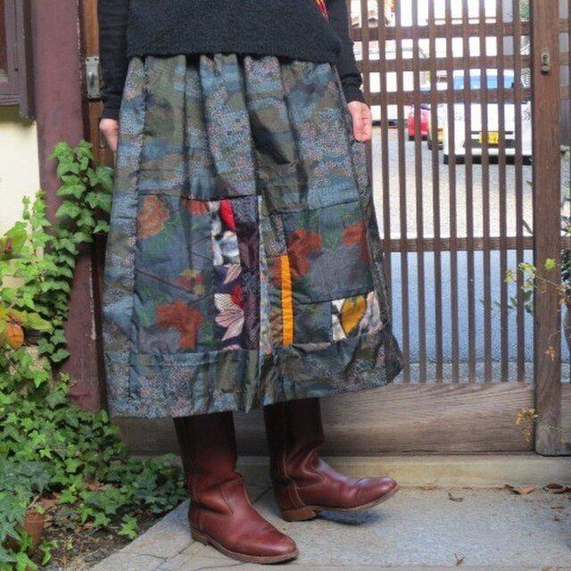 景色織り大島5種に銘仙パッチで♪ふんわりリメイクスカートの画像1枚目