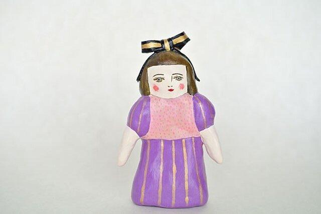 紫のパフスリーブのひとの画像1枚目
