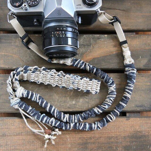 デニム裂き布麻紐ヘンプカメラストラップ(ベルトタイプ)の画像1枚目