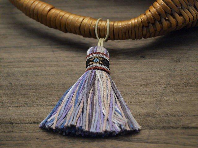 【完売】✤オリエンタルタッセル✤ 【エスニック柄】アジアン/オリエンタル系 バッグチャーム・キーホルダー 黒リボン×紫の画像1枚目