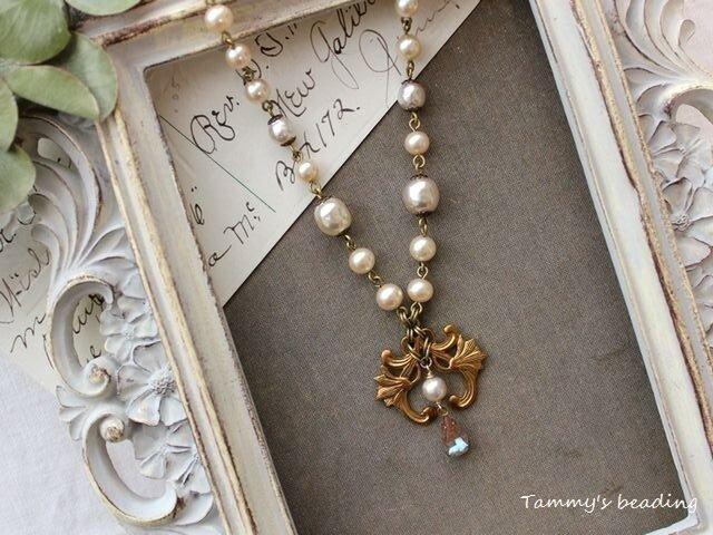 【 Sold 】ユリとサフィレット、ハスケルパールのネックレスの画像1枚目
