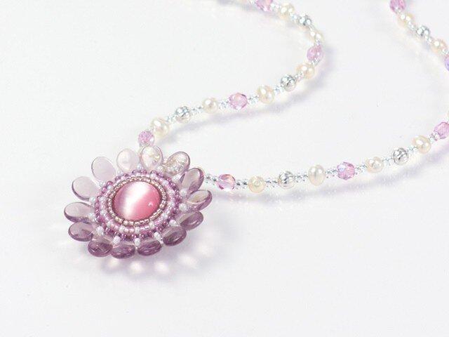 ピンクの花ネックレス・淡水パールの画像1枚目