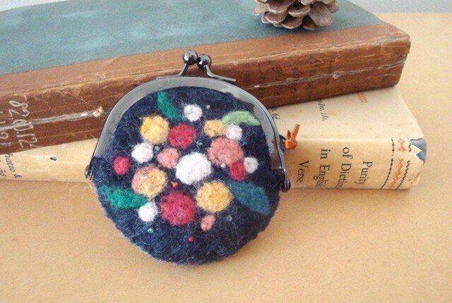 フェルトのコインケース(夜に咲く花)の画像1枚目