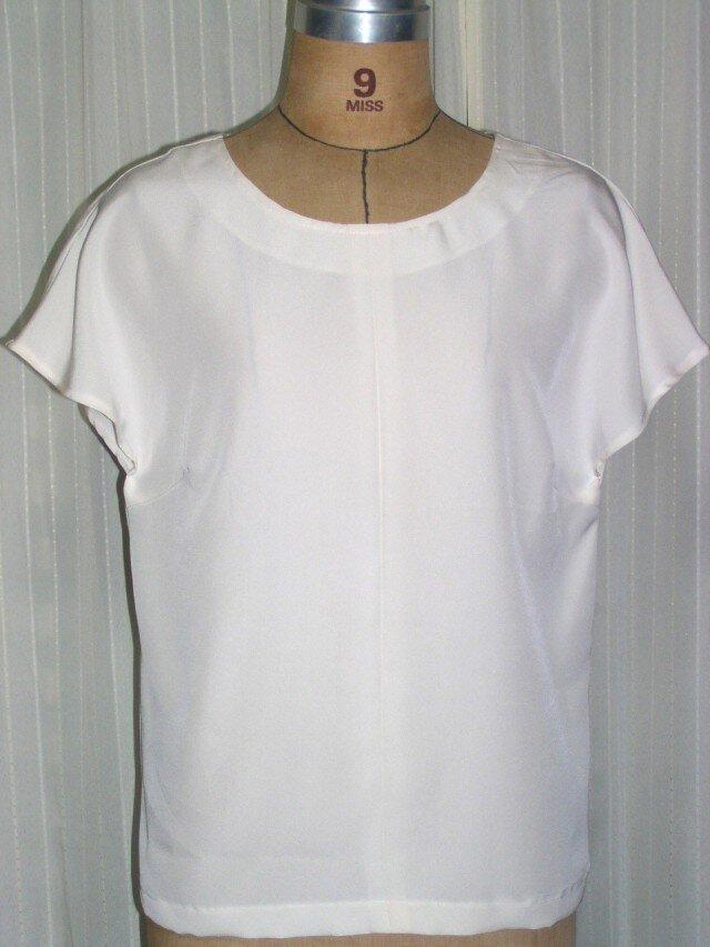シルクのフレンチスリーブ 絹の光沢 着物の反物の画像1枚目