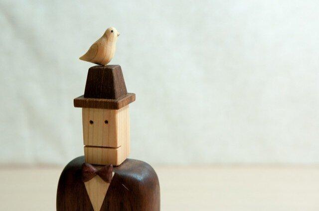 木工インテリア♡鳩と帽子とジェントルマンの画像1枚目