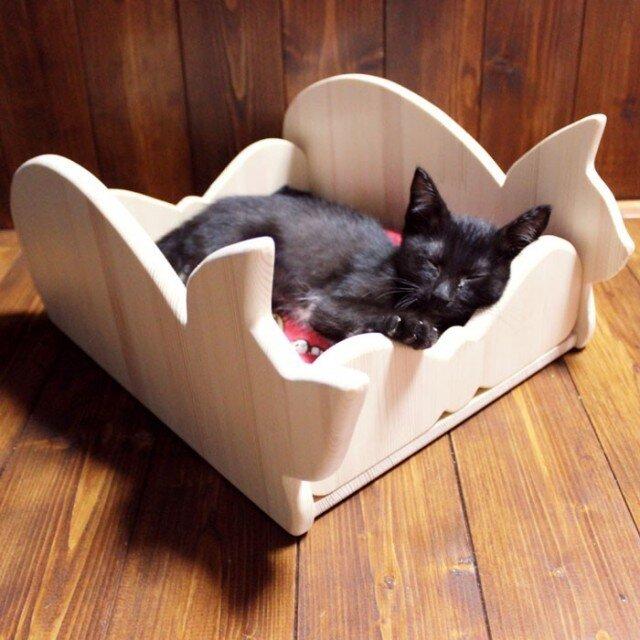 木製仔猫用ベッド(シルエット)13.CATS.WORKSの画像1枚目