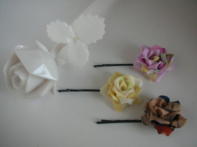 バラのヘアピン 3本セット 【つまみ細工】の画像1枚目