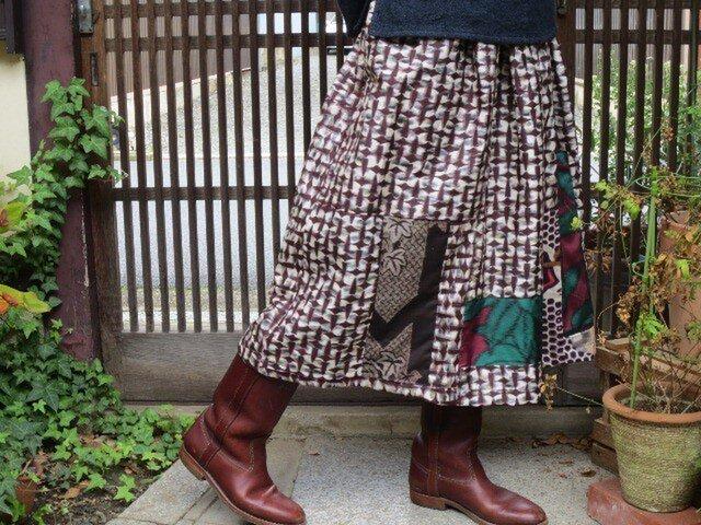 ココア色模様の銘仙deリメイクロングスカート☆葉っぱもパッチ♪の画像1枚目