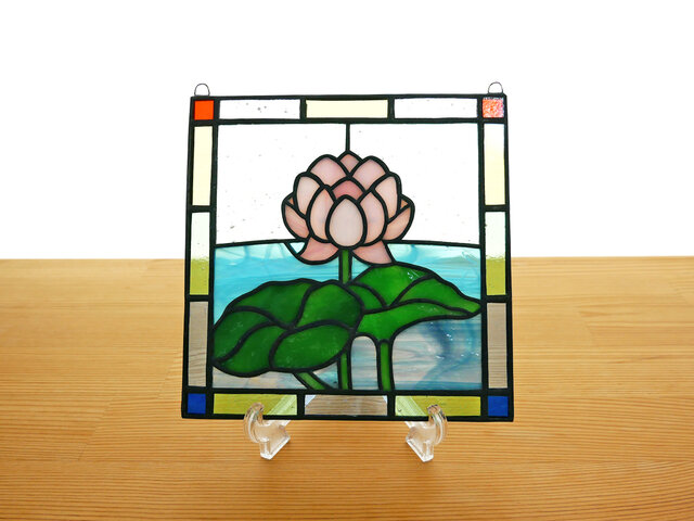 ステンドグラス ミニパネル 蓮 15cmの画像1枚目