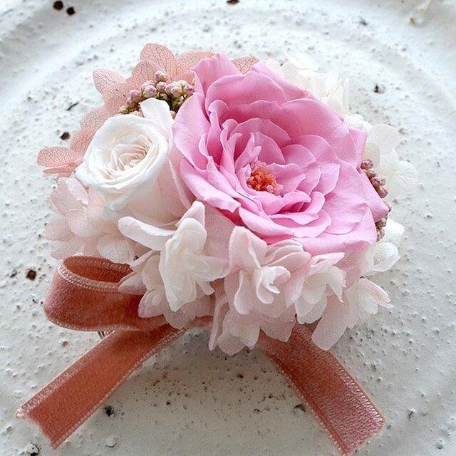 【 ホワイト&ピンク】 コサージュ ピン バラ  プリザーブドフラワー  発表会 結婚式 卒業式 入学式 ヘッドドレス 七五三の画像1枚目