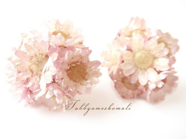 小さな花束のピアス-ピンク-の画像1枚目