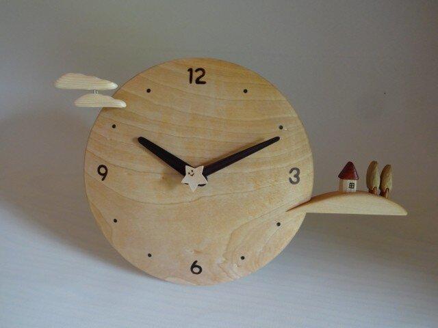 木製時計-丘の家(栃)の画像1枚目
