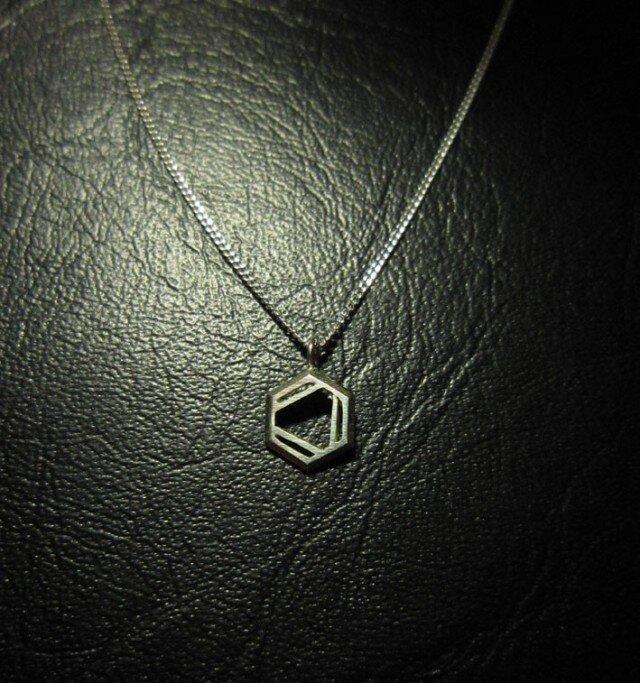 化学式 ® シリーズ(構造式デザイン) ネックレスの画像1枚目