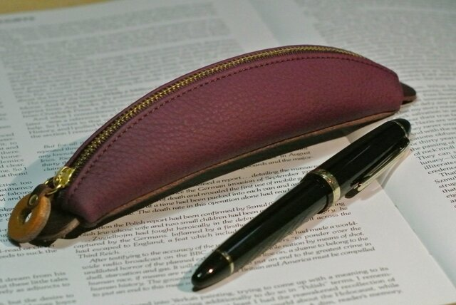 バナナペンケース (紫)の画像1枚目