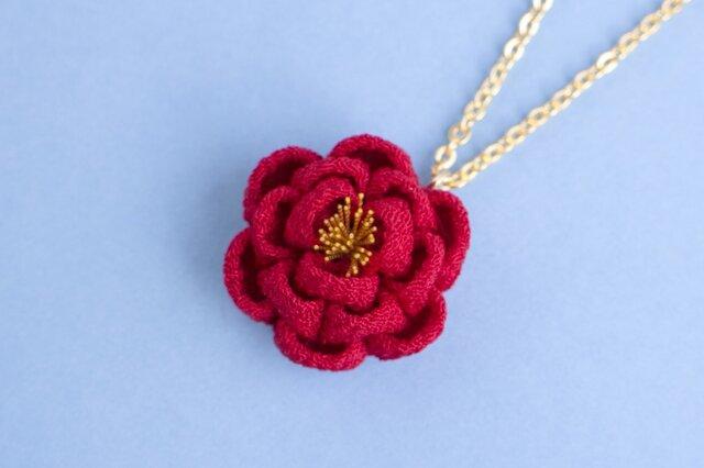 正絹 ほんわり椿のネックレス 赤の画像1枚目