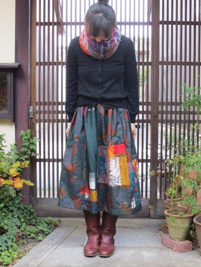 着物リメイクスカート☆紅葉大島にメルヘンチックな銘仙をパッチ♪の画像1枚目