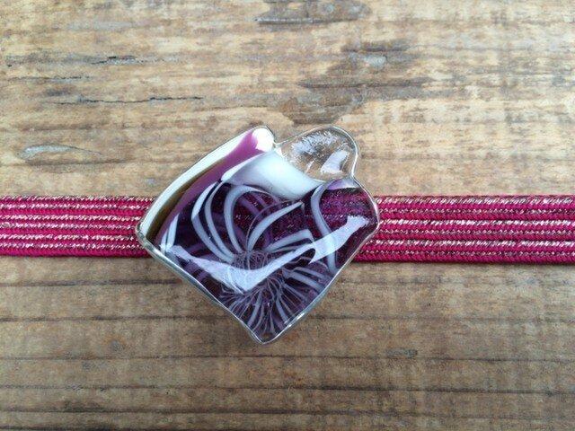 銀製覆輪止めガラス帯留め・古代紫色の画像1枚目